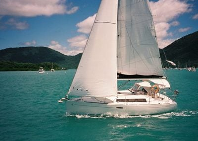 Yacht_Beneteau_Oceanis_31_yacht_hire_whitsundays_Gallery