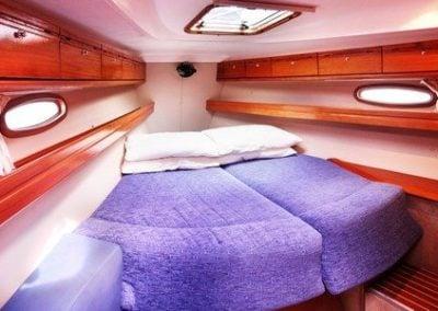 bavaria-39-fwd-cabin