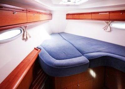 bavaria-40-fwd-cabin