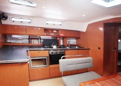 bavaria-45-galley