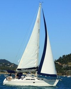 catalina-350-sailing