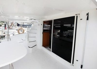 fountaine-pajot-cumberland-46-cockpit