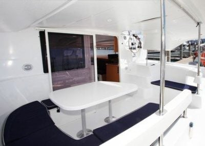 fountaine-pajot-lipari-41-cockpit