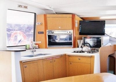 fountaine-pajot-lipari-41-galley