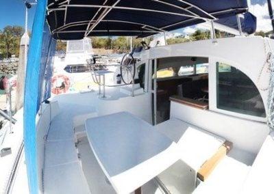lagoon-380-cockpit