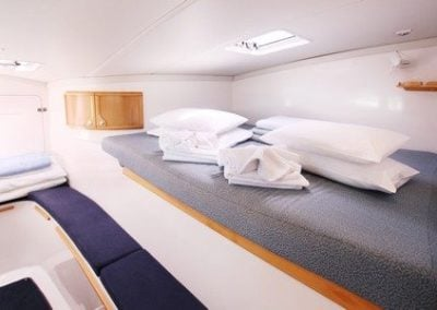 seawind-11603-port-fwd-cabin