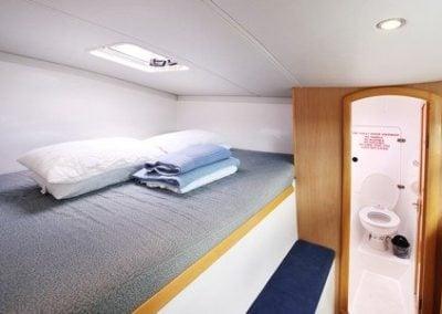 seawind-11603-starboard-fwd-cabin