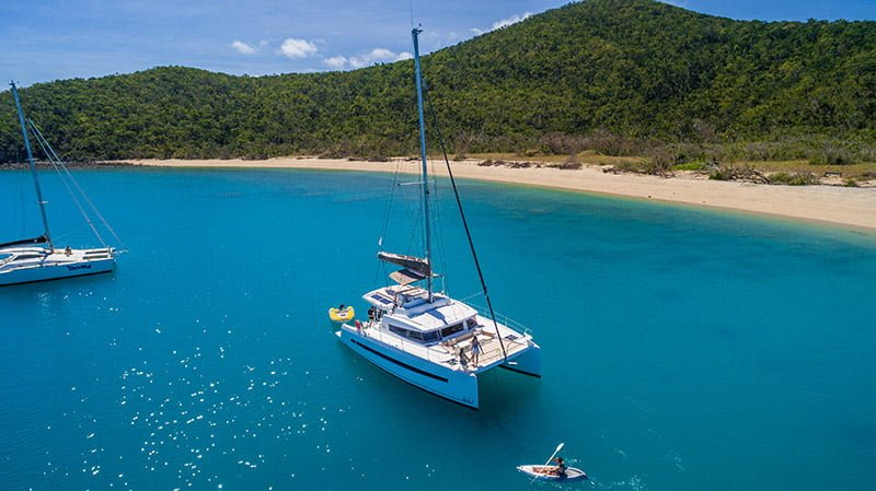 Sailing Whitsundays - Queensland Yacht Charters