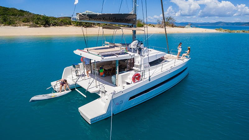 yacht hire whitsundays