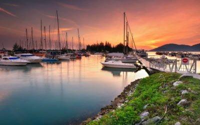 Catamaran Vs. Monohull – How to Choose?