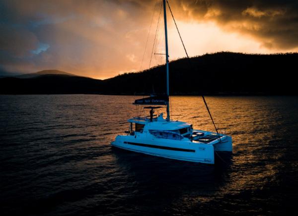 France's Two Travelers Cruise Around Whitsundays