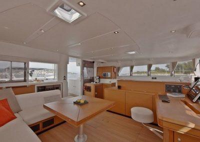 32511_2012_lagoon_Catamaran_500