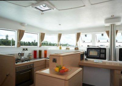 32519_2012_lagoon_Catamaran_500