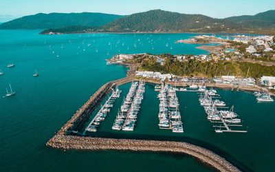 Five reasons to charter a yacht in the beautiful Whitsundays!