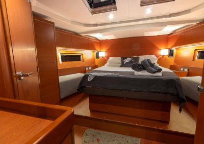 Beneteau-51.1-Interior-Master-Bed